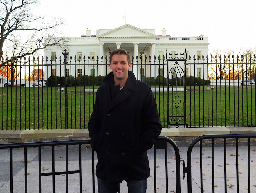 The Backpacker Intern in front of The White House